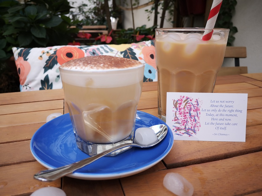 Iced Cappuccino mit Hafermilch